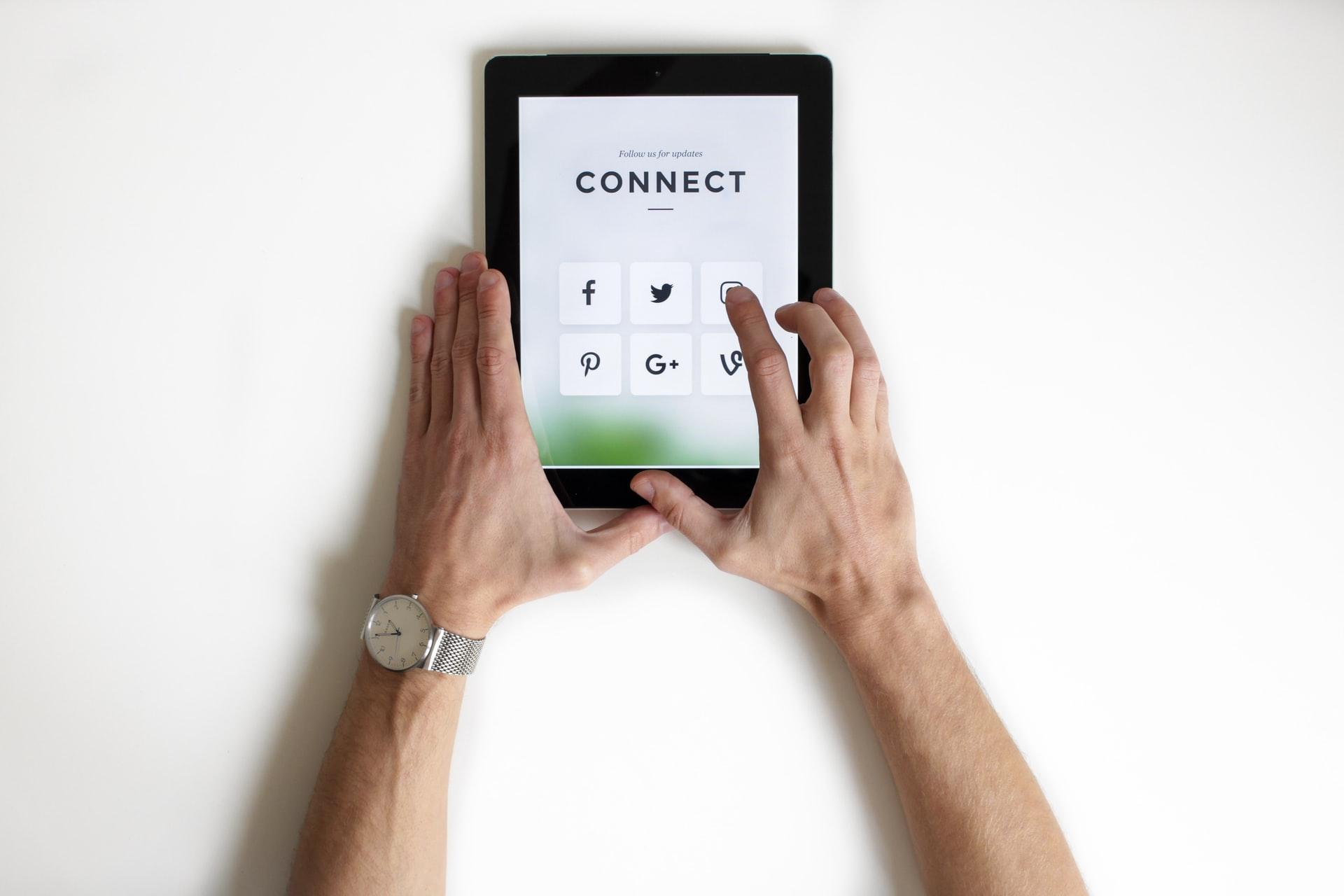 Redarquía: El Dilema de las Redes Sociales